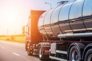 Experienced Truck Drivers May Be Eligible for a $14,000 Per Week Salary